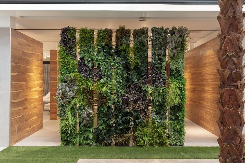 ©gretthel Esmalglass showroom jardin vertical artificial 2018 RETOCADA